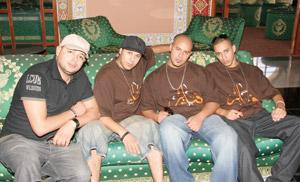 Le groupe Fnaïre chante «Hamra et Khadra»