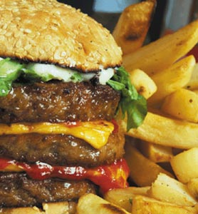 Les fast-foods devraient offrir des statines avec les hamburgers