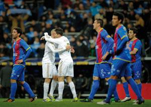 Barcelone se rassure en gagnant à Leverkusen