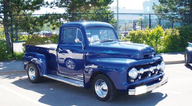 Il était une fois… La Ford 52, une beauté que n altère pas le temps