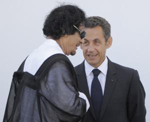 Nicolas Sarkozy rattrapé par le boomerang Kadhafi