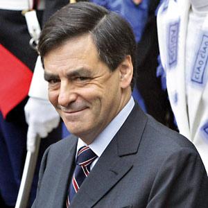 François Fillon, plus vite que Nicolas Sarkozy sur la burqa