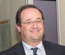 Hollande se mélange les pinceaux au Maghreb