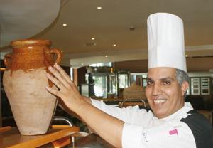 Ftour du chef : crème de volaille aux amandes de Tafraout fondue de poireau et de riz