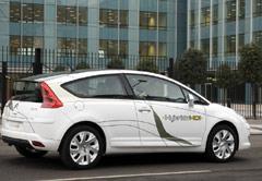 Peugeot-Citroën présente le Moteur «Hybride-HDi»