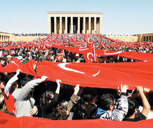 Turquie : Les laïcs contre Erdogan