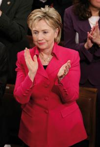 Hillary Clinton vient parler paix à des Israéliens préoccupés par l'Iran