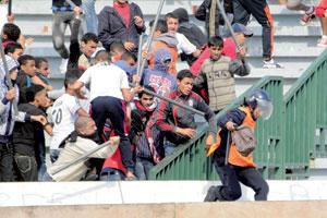 Actes de hooliganisme à Casablanca : 44 personnes, dont 19 mineurs, présentées au parquet