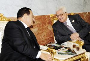 Égypte : Entretien Abbas-Moubarak sur le processus de paix