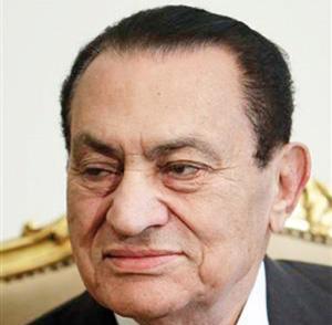 Égypte : La détention préventive de Hosni Moubarak encore prolongée de 15 jours