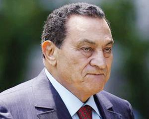 Feu vert pour le transfert de Hosni Moubarak au Caire