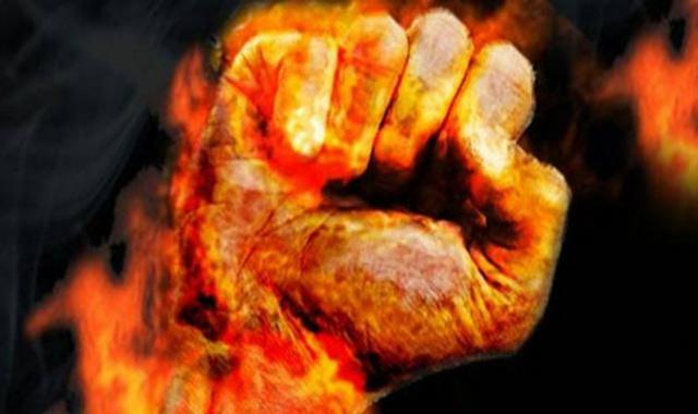 Algérie: Le jeune homme qui s'est immolé succombe à ses blessures
