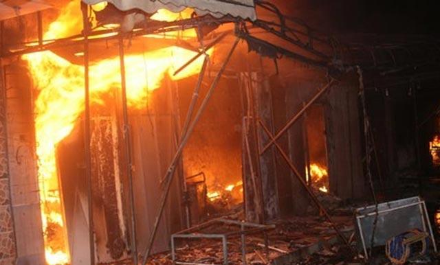 Tanger : un incendie ravage sept commerces à Beni Makada, pas de victimes