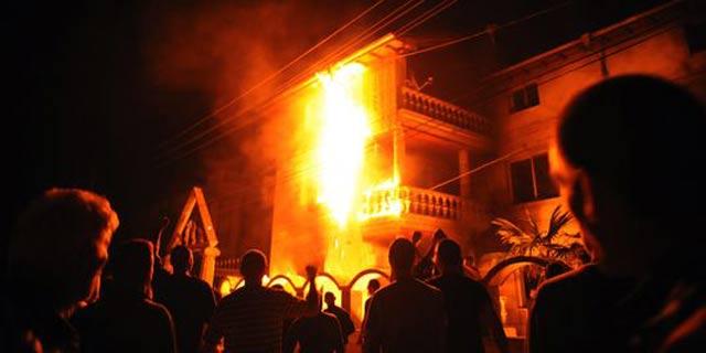 Béni Drar : Un camion et un immeuble prennent feu, pas de victime