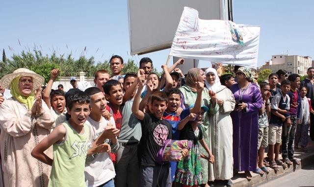 Oujda : Des élèves protestent contre l insécurité routière aux alentours des écoles