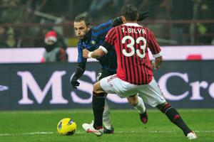 Italie : L'Inter gagne le derby milanais et relance le championnat