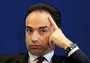 Sarkozy face à la fronde contre le travail dominical