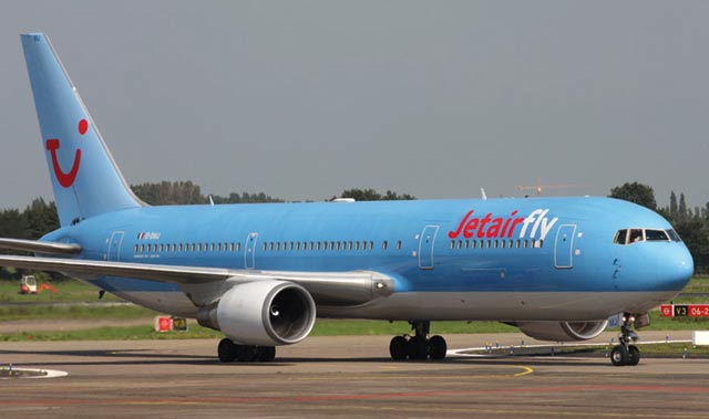 Low cost :  Le match Jetairfly-Raynair a commencé