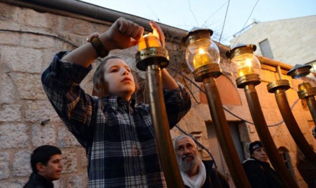 Angleterre: La communauté juive marocaine  célèbre «Hanouka»