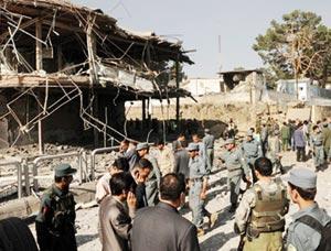 Kaboul : les talibans lancent une vague d'attaques