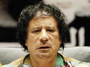 Libye : Kadhafi semble chercher une issue