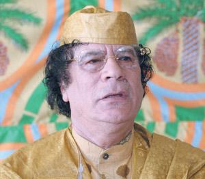 Kadhafi, un paria redevenu fréquentable