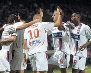 Football : Lyon vise le haut du podium