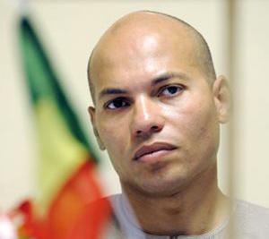 Sénégal : Karim Wade contre la «dévolution monarchique du pouvoir»