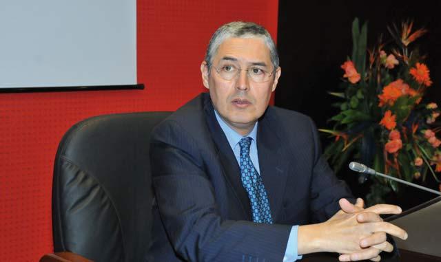 Attijariwafa bank entame 2015 dans  la sérénité