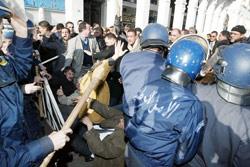 Maghnia déchirée par de violentes émeutes