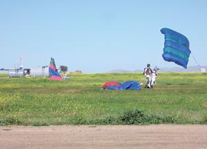 Beni Mellal : Parachutisme dans le ciel de l'Atlas