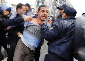Algérie : Des échauffourées entre police et jeunes dans un quartier d'Alger
