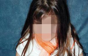 Un pédophile abuse de la fille de sa maîtresse