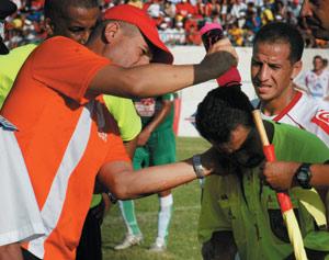 WAC-KAC : Le stade Père Jégo pris d'assaut par les hooligans