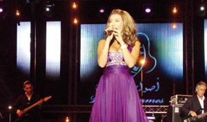 La Libanaise Nawal Zoghbi reçoit le Rabab d'or