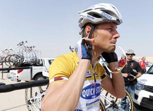 Tour du Qatar : Les oreillettes agitent le peloton