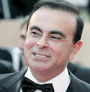 SM le Roi reçoit Carlos Ghosn, le patron de Renault