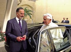 Automobile : Volkswagen offre une Phaeton au Pape Benoît XVI