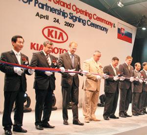 Kia motors inaugure son usine de Zilina
