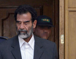 Saddam : peine capitale requise
