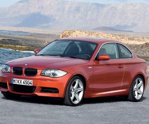 BMW Série1 Coupé : Du coffre, même sous le pied droit