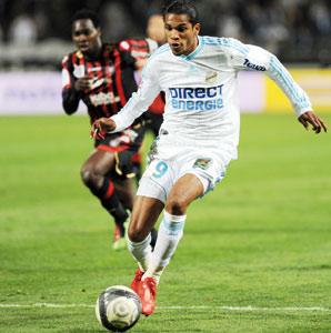 Marseille conforte sa place en tête