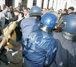 Algérie : le courant ne passe plus