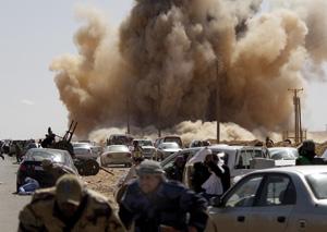 Libye : La coalition s'attaque aux lignes de ravitaillement des forces de Kadhafi