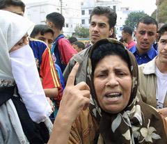 Algérie : la violence frappe les commissariats