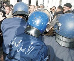 Algérie : la terreur gagne du terrain