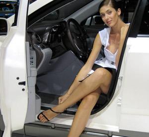 Les plus belles «Miss» du Mondial de l'Automobile 2008