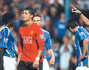 Angleterre : Manchester United prend la tête