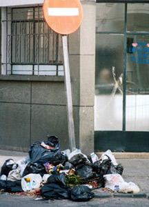 Elyazghi déclare la guerre aux sacs en plastique