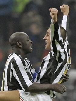 Calcio : la Juventus est nue